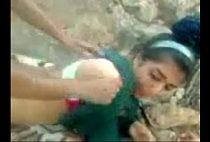 Nnnx porno novinha dando o cuzinho no mato
