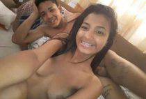 Menina dando nifeta pelada As brasileirinhas