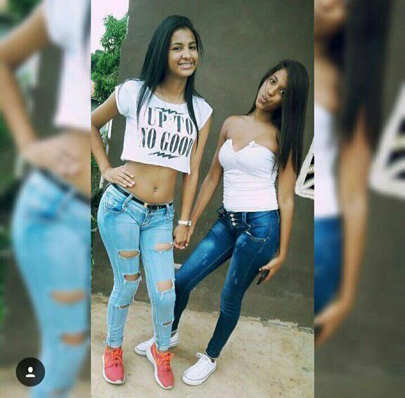 Menina dando nifeta pelada brasileirinha caiu na net
