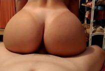 Sexo com a prima gostosa da bunda grande depois da faculdade