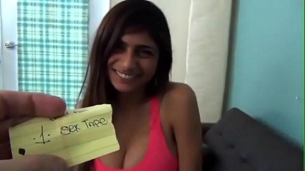 Xvideos.com ninfeta gostosa dos peitão grande fazendo porno arabe