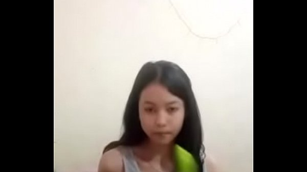Novinha Enfiando Pepino Na Bucetinha Apertadinha