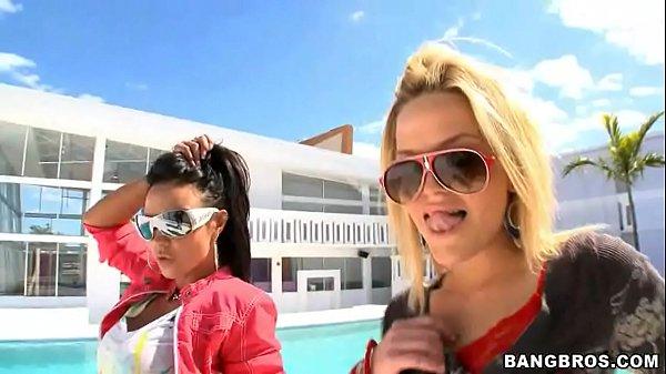 XXX video porno com Alexis Texas e Mariah Milano